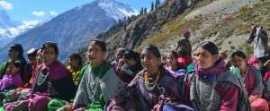 Women-Group-Meeting-in-Pangi-Valley-by-CEVA